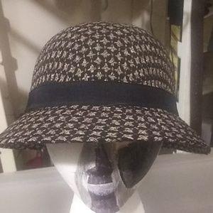 Scala Pronto hat size 20x11x4 deep.$28 .